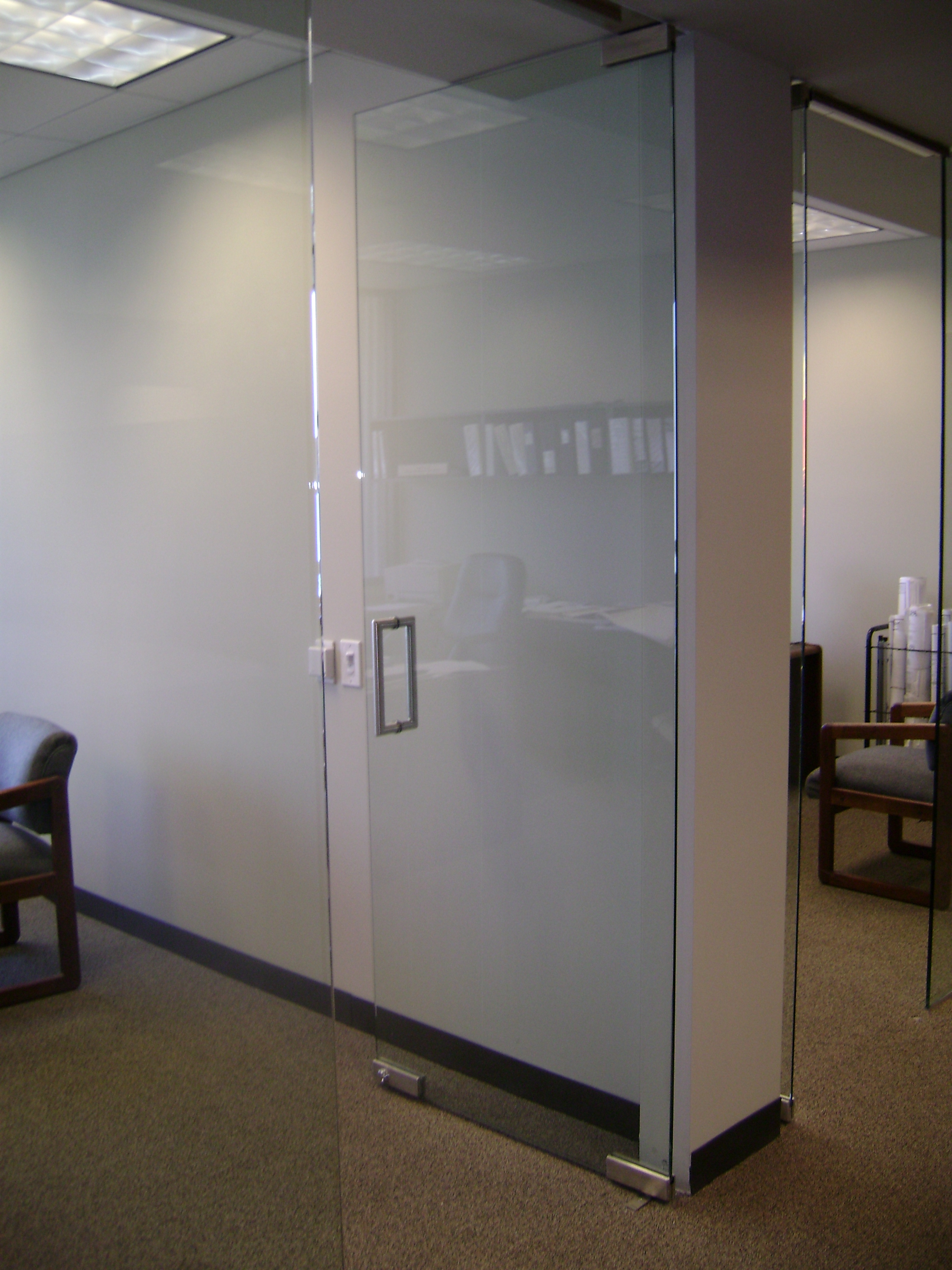 office-vision-lite-door-and-sidelites